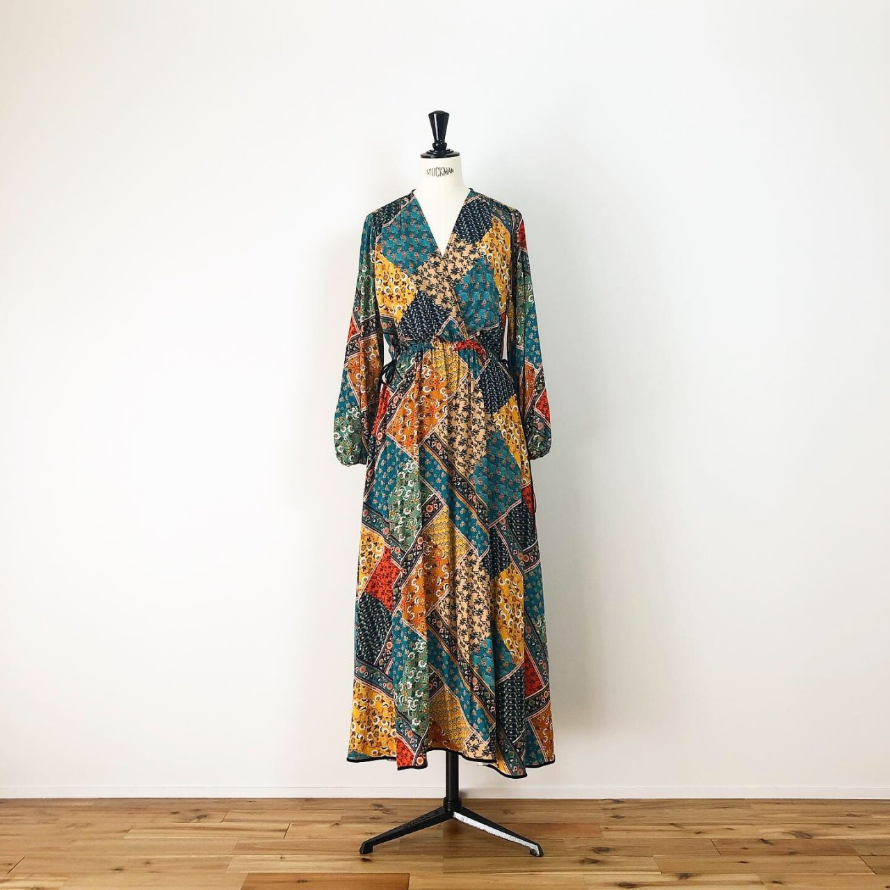 Scarf print long one-piece<BR>yellow multi