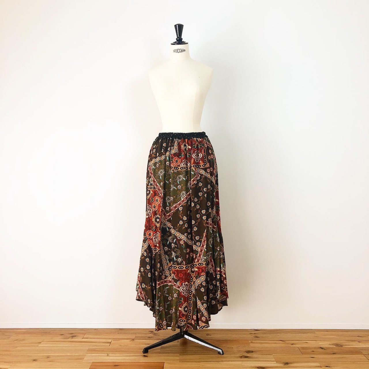 Scarf print long skirt<BR>brown multi