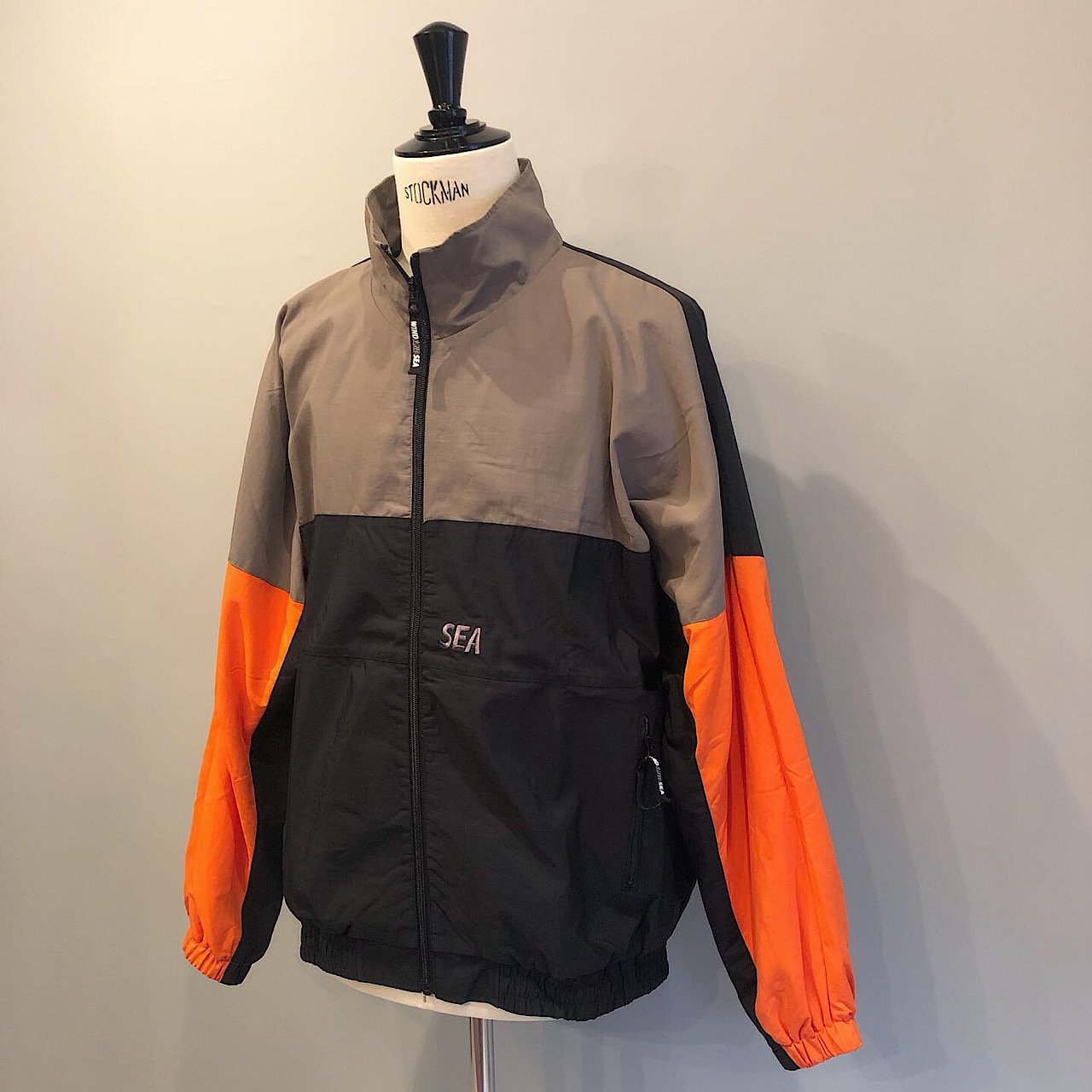 WIND AND SEA<BR>TRUCK JACKET<BR>GRAY/ORANGE
