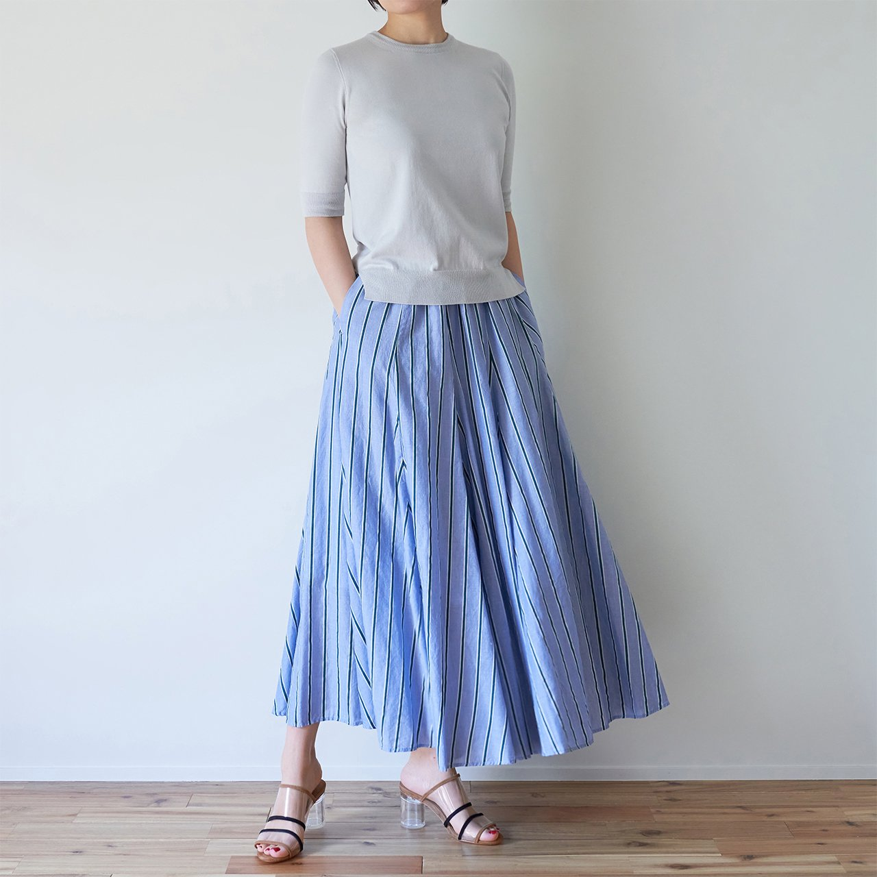 Pale Jute <br>bailaora skirt �<br>NAVY × GREEN