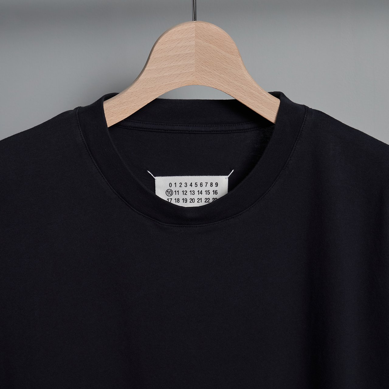 Maison Margiela PARIS <BR> COTTON  T - SHIRT <BR>ブラック