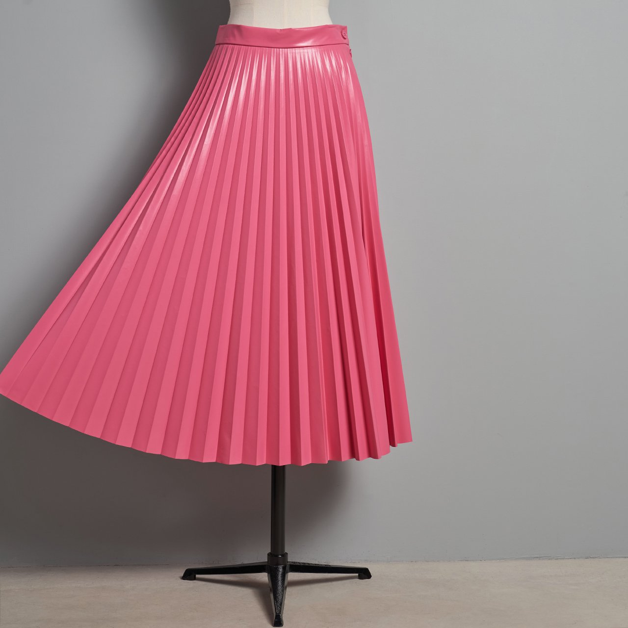MM6 Maison Margiela PARIS <BR> Pleated skirt<BR>