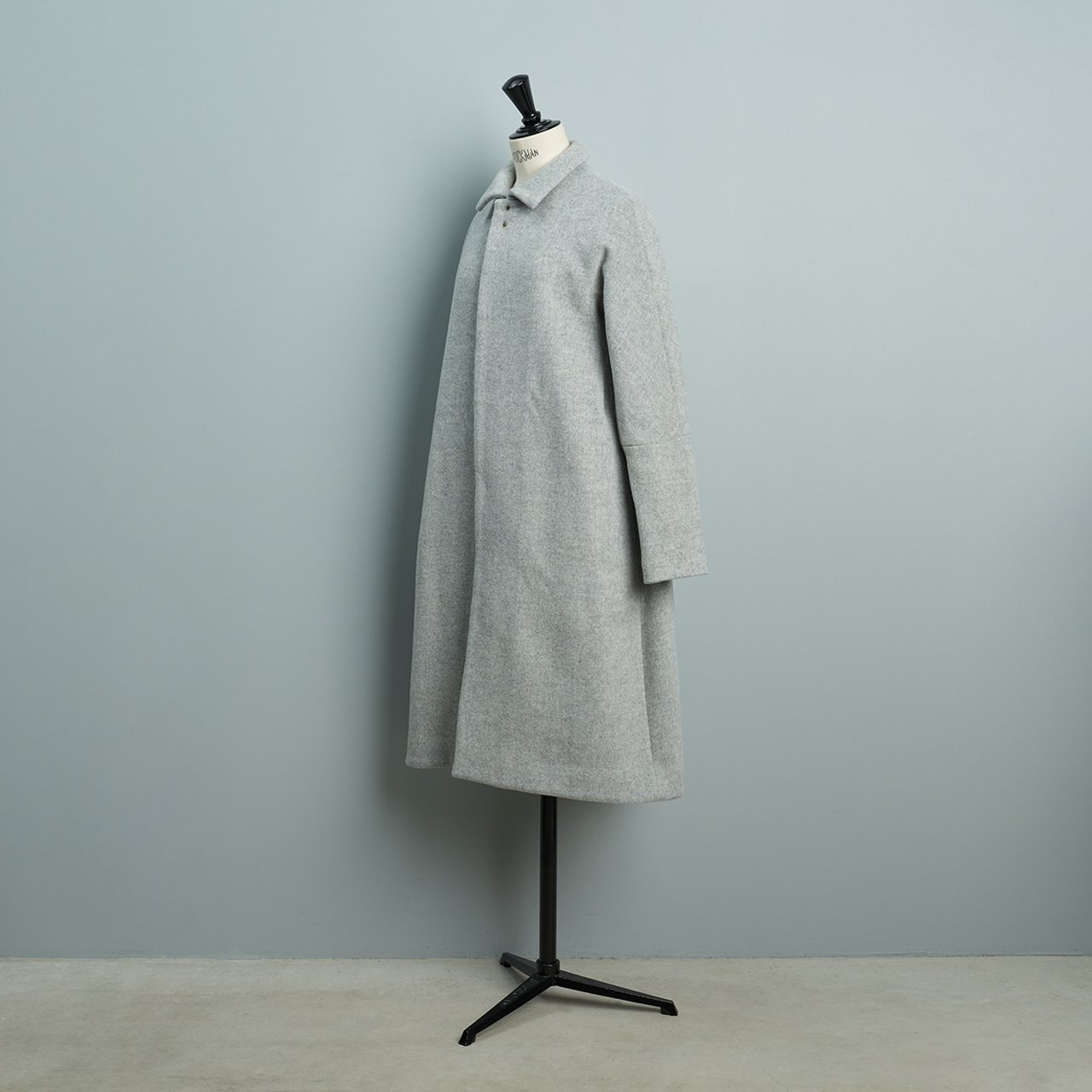 suzuki takayuki <BR>stand-fall-collar coat �<BR>light grey