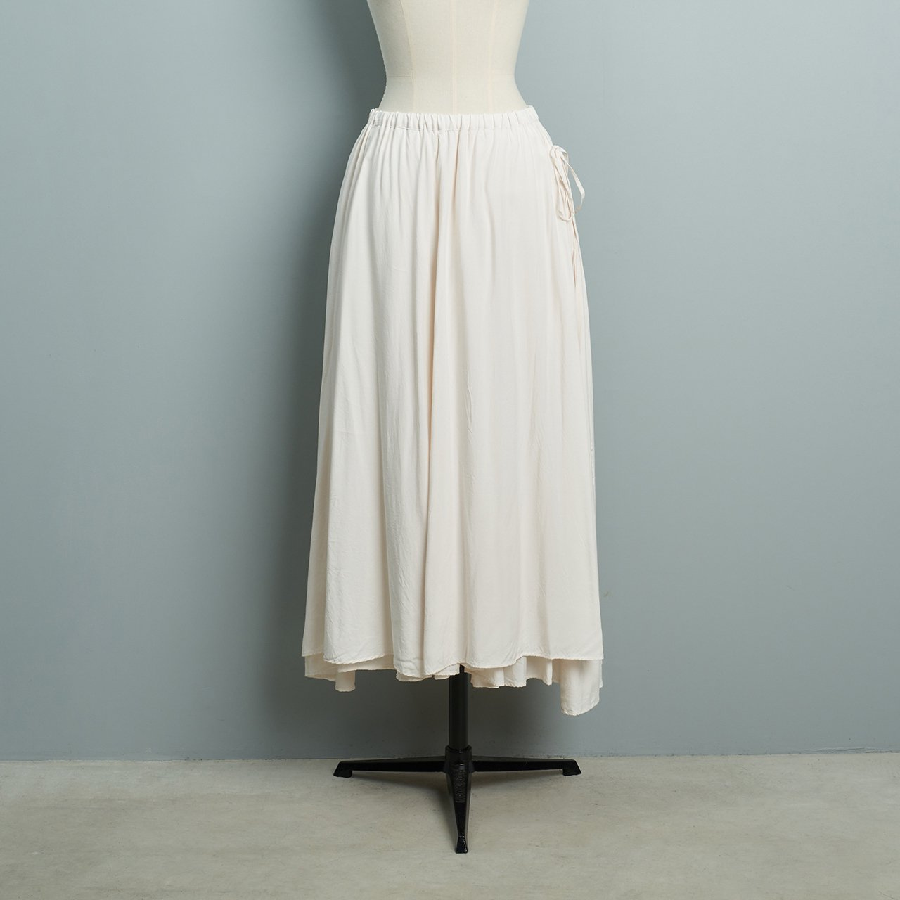 suzuki takayuki<BR>long skirt<BR>nude