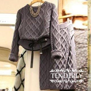 ウエストリボンがキュートなざっくり編みのスカートセットアップ