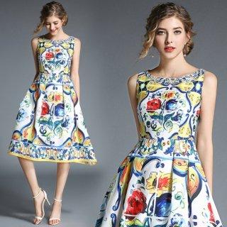 カラフルなペイント柄が華やかなAラインのノースリーブドレス フォーマル