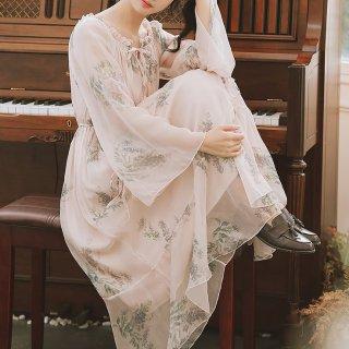 妊娠後期にもおすすめ とろみシフォンでふんわりガーリーなボタニカル柄の長袖ロングワンピース
