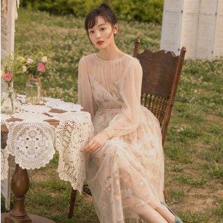 デイリーからお呼ばれまで ふんわりシフォンのボタニカル柄ロングワンピース ドレス