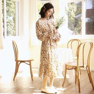 妊娠後期にもおすすめ ナチュラルガーリーな小花柄がおしゃれ 袖コン フレアワンピース