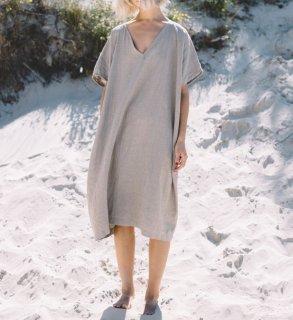 ナチュラルでおしゃれな海外デザイン ビックシルエットの袖ありワンピース 2色