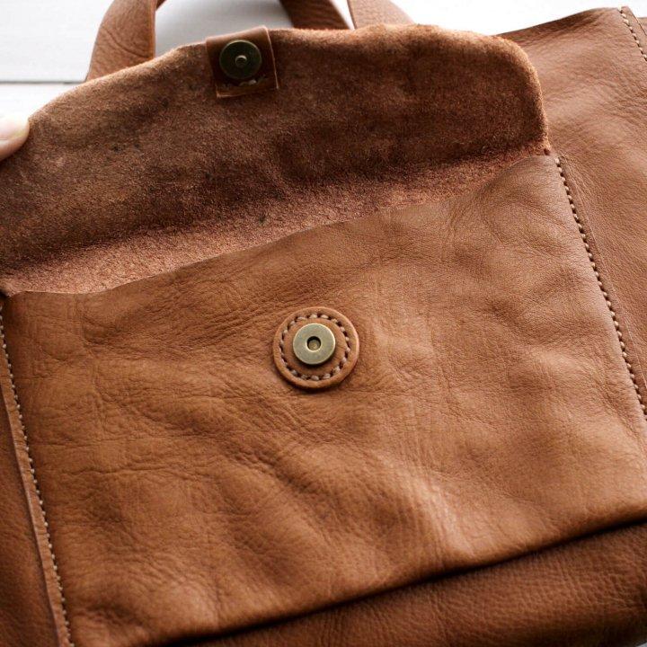 ハンドステッチのレザーミニトートバッグ