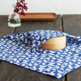 SUVALNA コットン大判ハンカチ(お弁当箱包みにも) 木版染め(ブロックプリント) スワン×ブルー