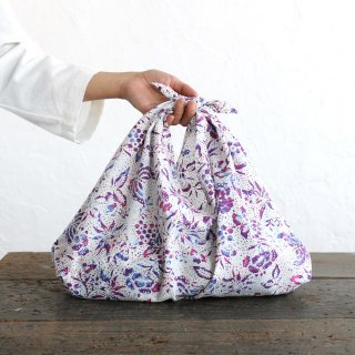 alinのあづま袋 M 50cm かごバッグに バティックあずま袋 マチ付き (蝶/ホワイト)<img class='new_mark_img2' src='https://img.shop-pro.jp/img/new/icons14.gif' style='border:none;display:inline;margin:0px;padding:0px;width:auto;' />