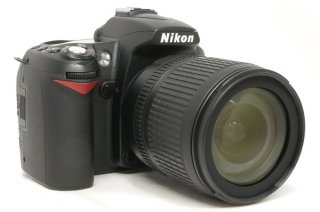 ニコン D90 AF-S 18-105mm F3.5-5.6G ED VR DX付