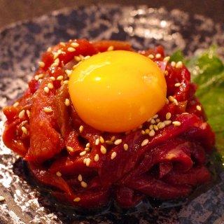 熊本直送 新鮮 赤身肉 馬刺し『桜肉ユッケ』(生食用)1人前50g〜