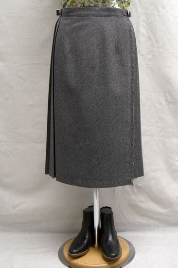 O'neil of Dublin<br>(オニール・オブ・ダブリン)無地 キルトスカート 67cm丈