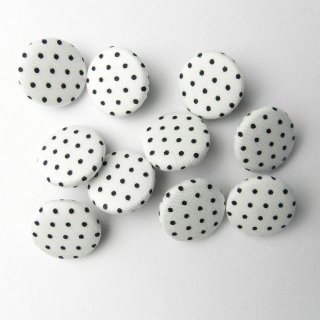 白地に黒水玉柄の平くるみボタン/15mm/足つき/ブラウスや子ども服に最適