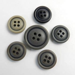 [6個入]ヴィンテージ加工のミリタリーカジュアルボタンお得なセット/素材:ポリエステル/25mm・19mm/4穴/ミリタリー調・アーミー調