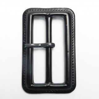 皮革風の黒色系ピン付バックル/内径50mm/本体素材:プラスチック系/ピン素材:メタル系/トレンチコート・スプリングコート・コスプレに最適