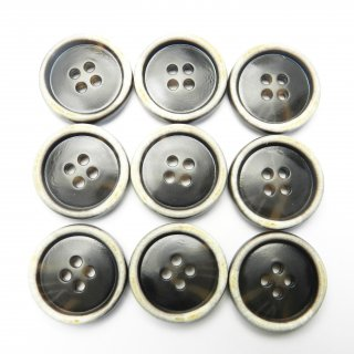 茶色系の水牛調ボタン/23mm/4穴/コートのフロントボタンに最適