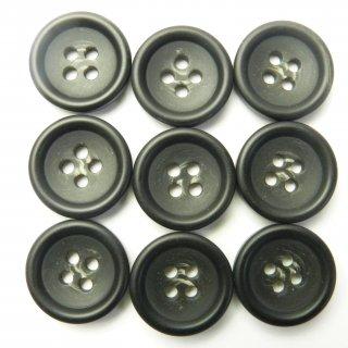 ツヤなし黒色系の水牛調ボタン/18mm/4穴/コート袖口・カーディガンに最適