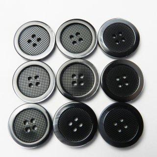太縁にグラデーションが入った格子柄模様の黒色プラスチックボタン/20mm/4穴/スーツやジャケットに最適