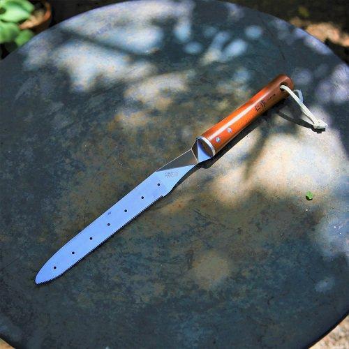 根切りナイフ