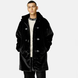 <img class='new_mark_img1' src='https://img.shop-pro.jp/img/new/icons1.gif' style='border:none;display:inline;margin:0px;padding:0px;width:auto;' />【Sweet Faux Fur Duffle】