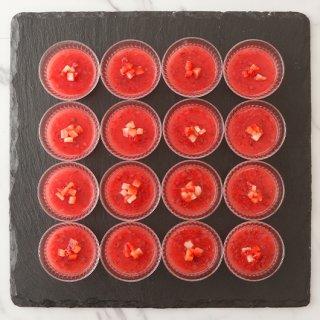 イチゴのプチカップケーキ