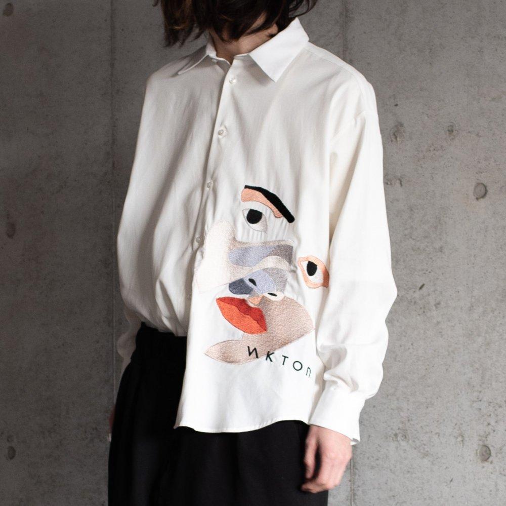 licht bestreben フェイスエンブロイダリーシャツ sus4-sh02-em color:white