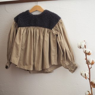 <img class='new_mark_img1' src='//img.shop-pro.jp/img/new/icons14.gif' style='border:none;display:inline;margin:0px;padding:0px;width:auto;' />boa gather blouse / charcoal boa × beige / folkmade