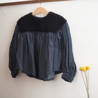 <img class='new_mark_img1' src='//img.shop-pro.jp/img/new/icons14.gif' style='border:none;display:inline;margin:0px;padding:0px;width:auto;' />boa gather blouse / black boa × denim / folkmade