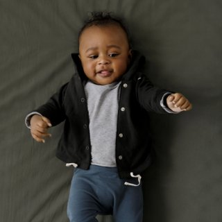baby hooded cardigan / nearly black / GRAY LABEL