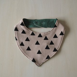 geometry sweat bib  / triangle / chocolatesoup