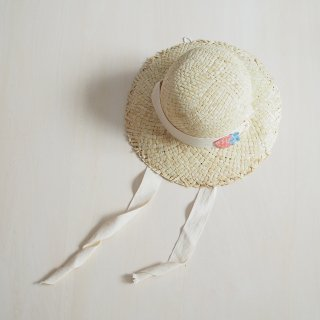 <img class='new_mark_img1' src='https://img.shop-pro.jp/img/new/icons14.gif' style='border:none;display:inline;margin:0px;padding:0px;width:auto;' />tocoto vintage<br>straw hat with straps and strawberry patche<br>beige (S,M)