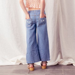 <img class='new_mark_img1' src='https://img.shop-pro.jp/img/new/icons14.gif' style='border:none;display:inline;margin:0px;padding:0px;width:auto;' />tocoto vintage<br>denim flared trousers with embroidery<br>blue (2y,3y,4y,6y)