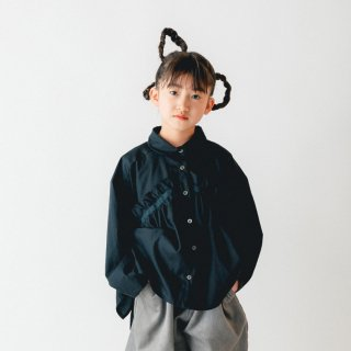 <img class='new_mark_img1' src='https://img.shop-pro.jp/img/new/icons14.gif' style='border:none;display:inline;margin:0px;padding:0px;width:auto;' />nunuforme<br>front frill blouse<br>black(95,105,115,125)