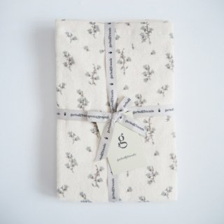 garbo&friends<br>bath towel<br>bluebell