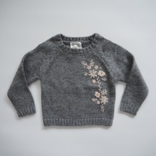<img class='new_mark_img1' src='https://img.shop-pro.jp/img/new/icons14.gif' style='border:none;display:inline;margin:0px;padding:0px;width:auto;' />BONHEUR DU JOUR<br>embroidery knit sweater~fiori~<br>anthracite<br>(2y,4y,6y)