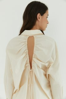 back shirring<br>open blouse<br>ivory,black