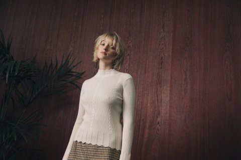 <img class='new_mark_img1' src='https://img.shop-pro.jp/img/new/icons5.gif' style='border:none;display:inline;margin:0px;padding:0px;width:auto;' />JOVONNA ZUMA KNITTED SWEATER-CREAM S/M,M/L