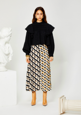 <img class='new_mark_img1' src='https://img.shop-pro.jp/img/new/icons5.gif' style='border:none;display:inline;margin:0px;padding:0px;width:auto;' />GHOSPELL Double Take Midi Skirt