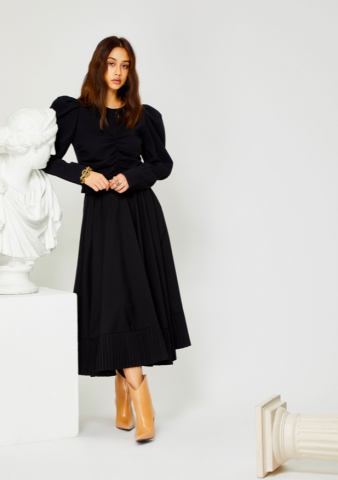 <img class='new_mark_img1' src='https://img.shop-pro.jp/img/new/icons5.gif' style='border:none;display:inline;margin:0px;padding:0px;width:auto;' />GHOSPELL The Classics Midi Skirt