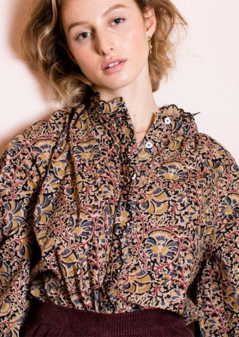 <img class='new_mark_img1' src='https://img.shop-pro.jp/img/new/icons5.gif' style='border:none;display:inline;margin:0px;padding:0px;width:auto;' />Louise Misha Womens Ila Blouse, Nordish Flowers
