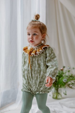 <img class='new_mark_img1' src='https://img.shop-pro.jp/img/new/icons5.gif' style='border:none;display:inline;margin:0px;padding:0px;width:auto;' />HAPPYOLOGY Wilbury Baby Romper, Antique Green Floral