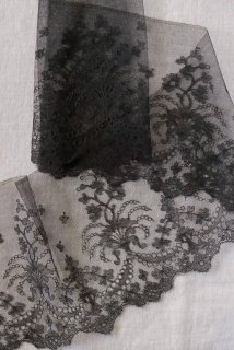 Antique lace(noir)