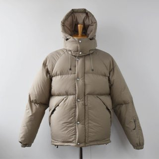 <img class='new_mark_img1' src='https://img.shop-pro.jp/img/new/icons14.gif' style='border:none;display:inline;margin:0px;padding:0px;width:auto;' />【ENDS and MEANS】  DOWN JACKET -Beige-