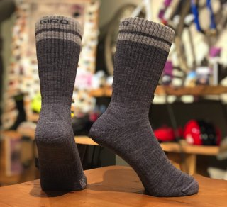 <img class='new_mark_img1' src='https://img.shop-pro.jp/img/new/icons55.gif' style='border:none;display:inline;margin:0px;padding:0px;width:auto;' />【GIRO/ジロ】WINTER MERINO WOOL SOCKS Charcoal