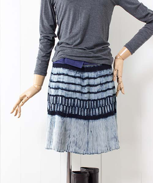 モン族藍染バティック・巻きスカート(f18)