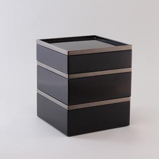 彩箱 黒 三段銀縁